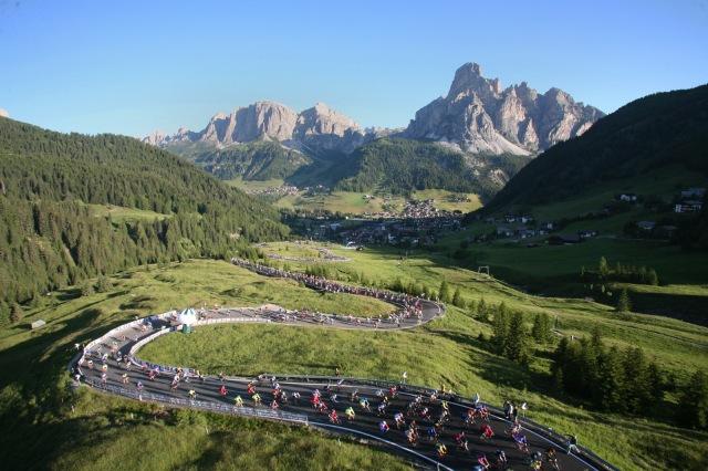 Maratona_dles_Dolomites_-_Campolongo_Pass