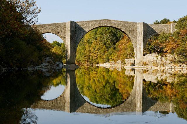 Pont_Issensac_autre_cote_2011