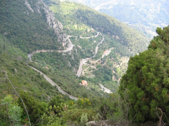 Looking-down-on-a-section-of-the-Col-de-la-Madone-climb-750x562.jpg